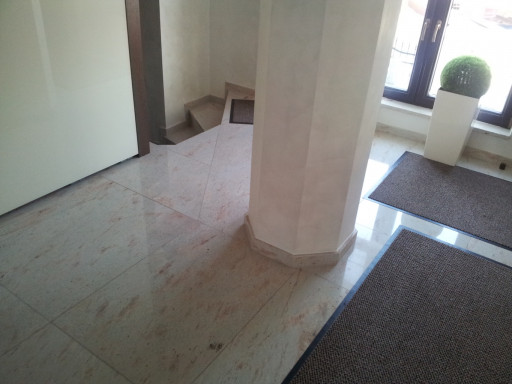 FLOOR - cut to size floor made of royal ivory granite
