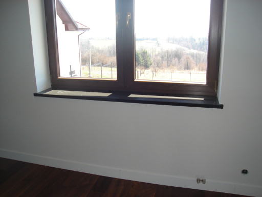 WINDOW SILLS made of absolute black granite