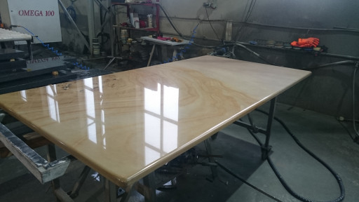 TABLE made of wonder sunset natural quartz